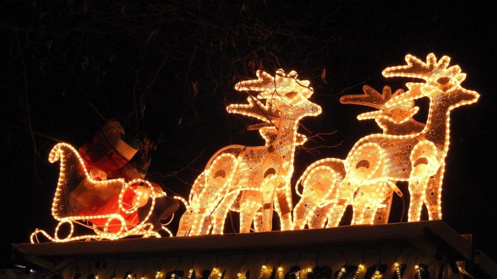 Weihnachtsmarkt mit Nikolauskutsche