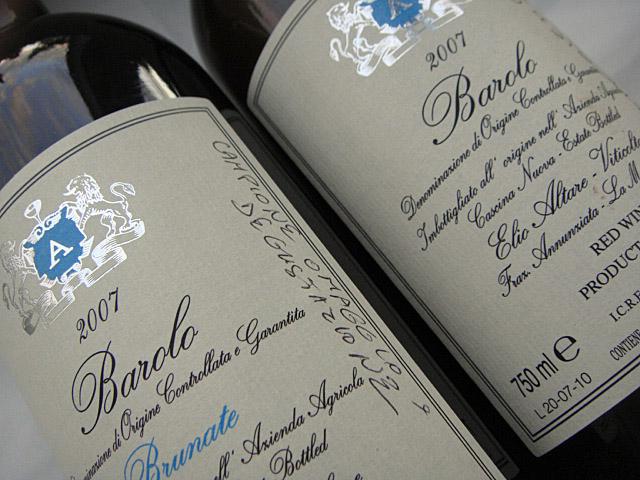 Zwei Flaschen Barolo von Elio Altare