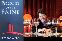 Etikett Poggio delle Faine und Sommelière Paula Bosch