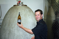 Daniel Sauer mit Beton-Ei
