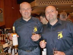 Udo Kaypinger (rechts) unterwegs mit Bruder Rainer - im Auftrag der Whiskyfreunde