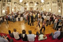 VieVinum-Besucher in den Barocksälen der Hofburg | Foto:©Eva Kelety/ÖWM