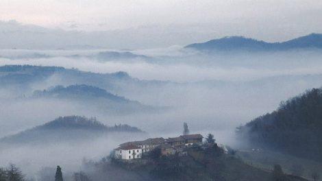 Das Piemont im Nebel