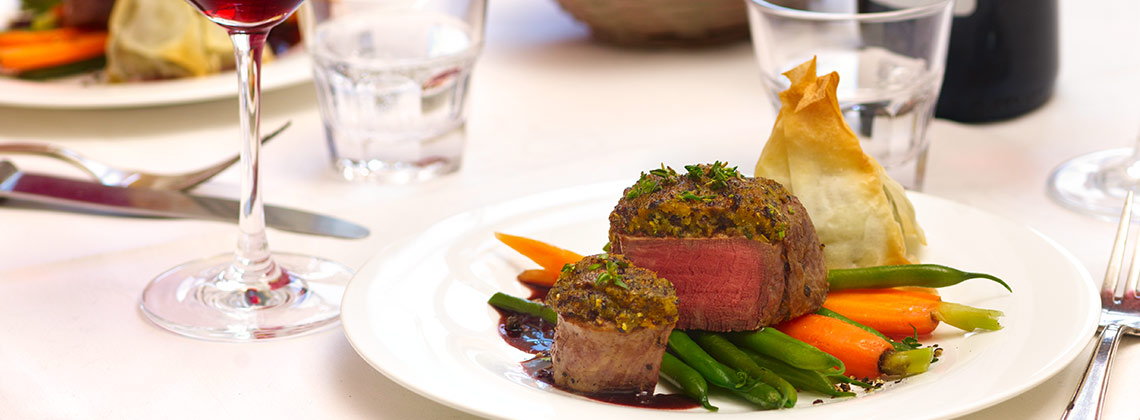 Klassiker: Bordeaux zu rotem Fleisch | Foto: ©Culinarypixel