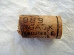 1989 Chateau Monbrison (Cru Bourgeois): äußerlich gut, aber am Lentizellen-Rand gebrochen