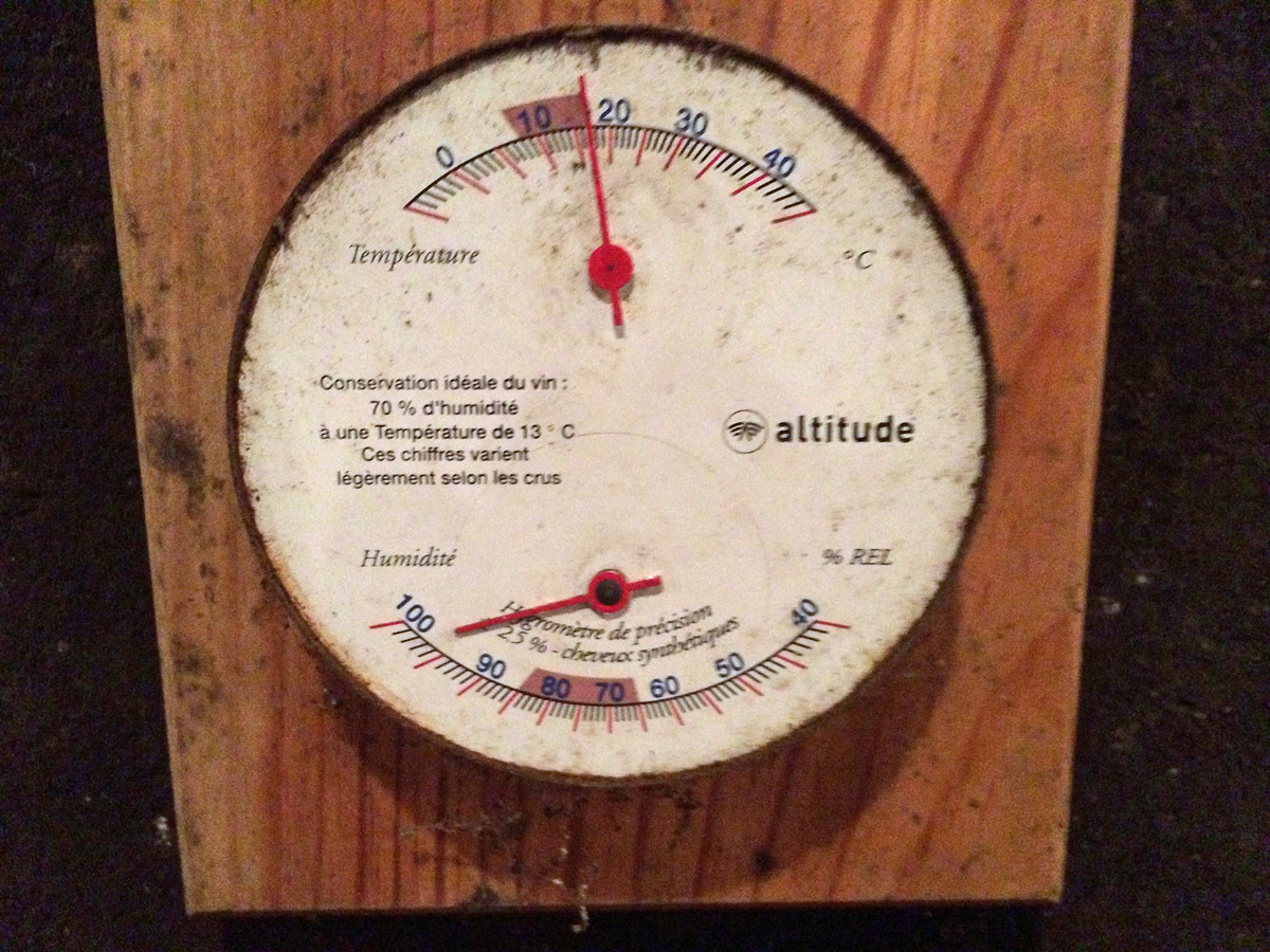 Hygrometer im Keller der Domaine