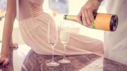 Champagner Sekt Glas Paar trinkt Schaumwein