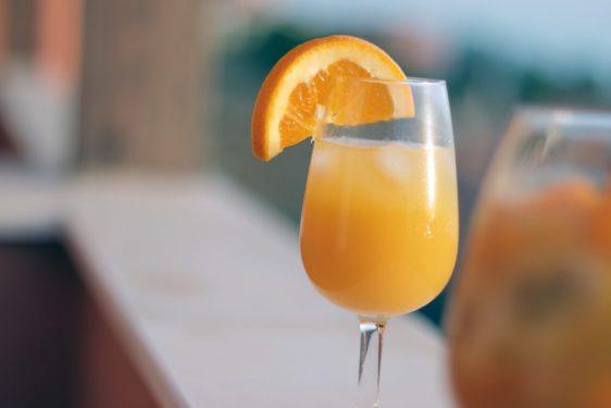 Cocktails mit Sekt Wein Mimosa