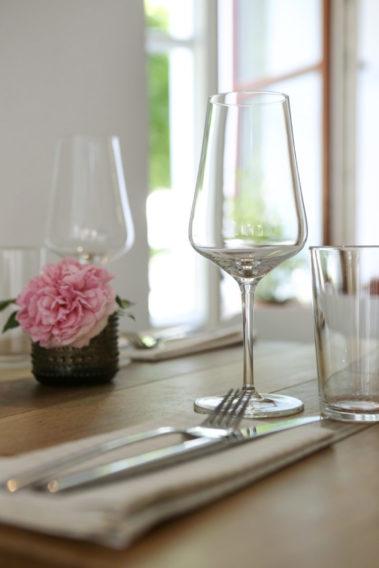 Tischdekoration in der Weinbar Kim&Co in München