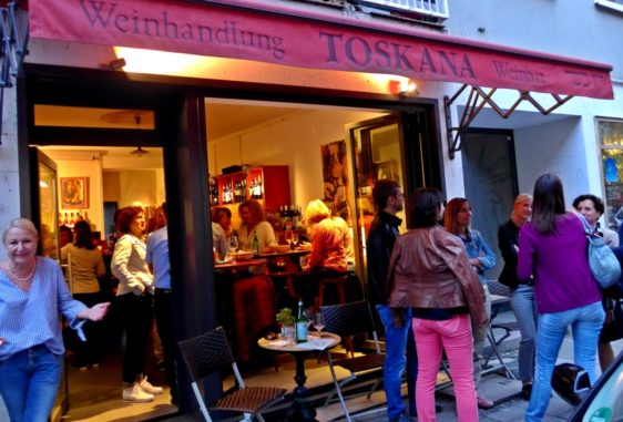 Die Toskana Weinhandlung in München von außen