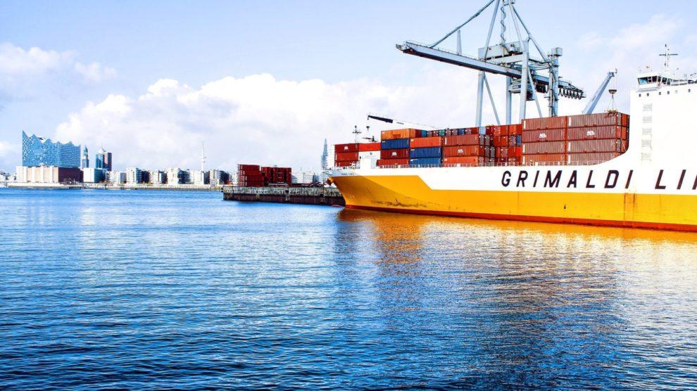 Containerschiffe im Hafen
