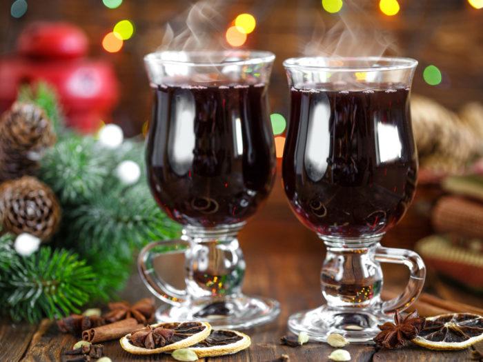 Helgoländer Grog mit weihnachtlicher Deko