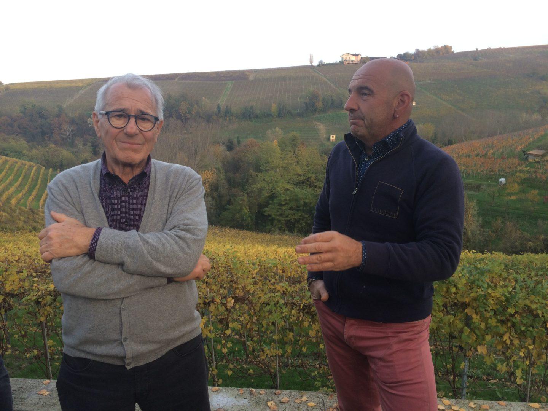 Luciano und Luca Sandrone im Weinberg
