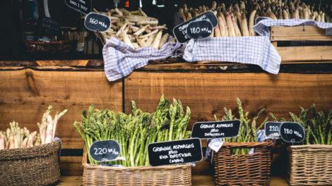 Spargel auf dem Markt