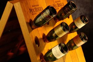 Pol Roger Champagner-Flaschen im Rüttelpult