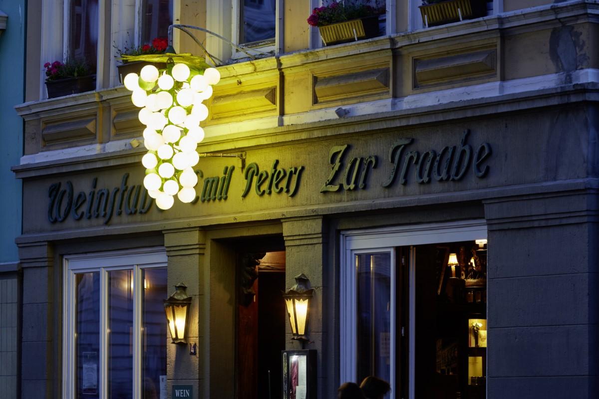 Weinbar Hamburg zur Traube Außenansicht 3 (Custom)