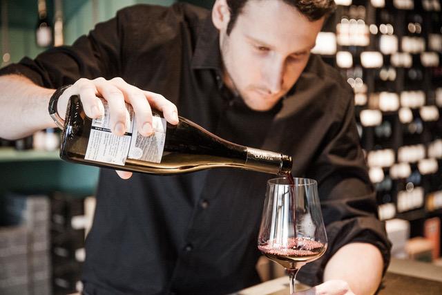 Weinbar Frankfurt Liebesdienste wineandmore Wein ausschenken