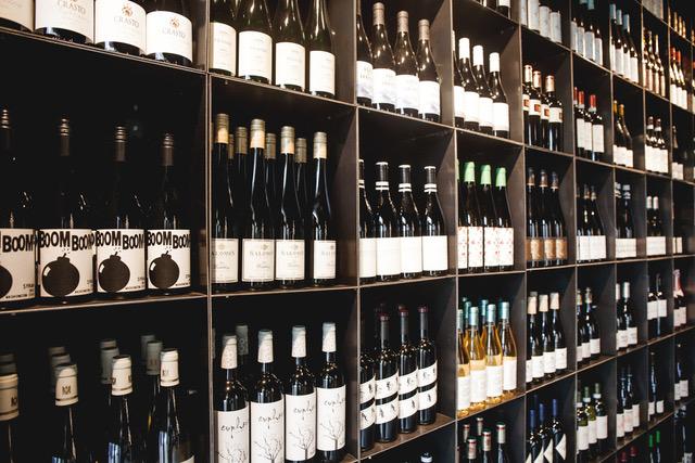 Weinbar Frankfurt Liebesdienste wineandmore Weine