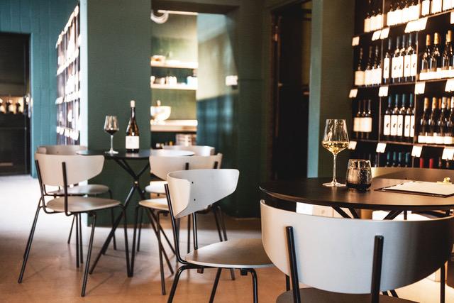 Weinbar Frankfurt Liebesdienste wine&more Innenansicht